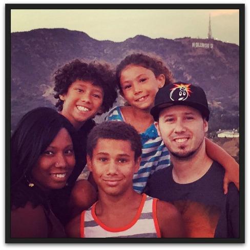 familyHollywood
